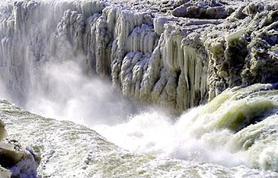 在黃河邊發生的英雄故事_黃河發生凌汛的時間是_黃河洪水發生什么地方